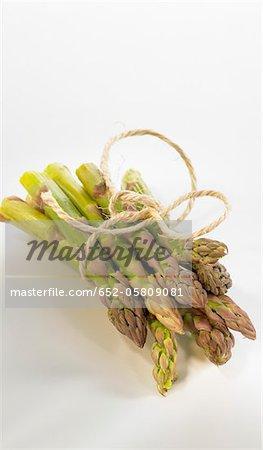 Offre groupée d'asperges vertes