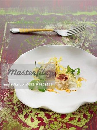 Massepain savoureux rouleaux fourré jambon espagnol, amandes et parmesan