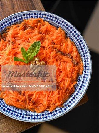 Geriebene Karotten mit Zimt