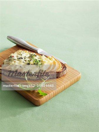 Roquefort et poire sur toast