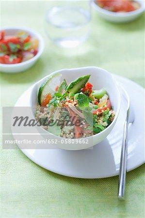 Taboulé de millet, de fruits et de légumes