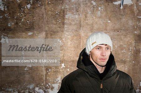 Homme en vêtements d'hiver, Munich, Bavière, Allemagne