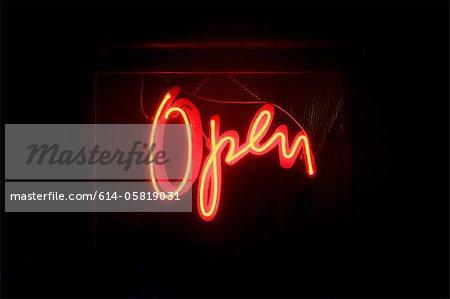 Rouge néon « ouvert »