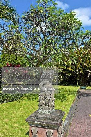 Indonésie, Bali, Kungkung, ancien palais des rois, statue