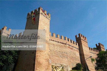 Gradara, mur de la ville, de la côte Adriatique, Emilie-Romagne, Italie, Europe