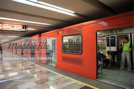 Metro, underground train station, Mexico City, Mexico, North America