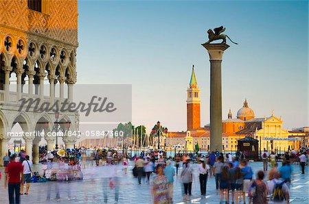 Place Saint Marc (Piazza San Marco), Piazzetta di San Marco et Palazzo Ducale (Palais Ducal), Venise, UNESCO World Heritage Site, Veneto, Italie, Europe
