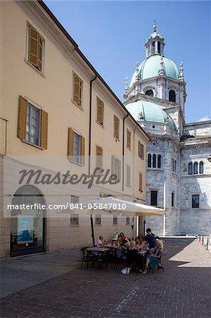 Duomo et cafe, Piazza del Duomo, Côme, lac de Côme, Lombardie, lacs italiens, Italie, Europe
