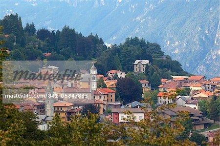 Vue de montagne village de Civenna, Bellagio, lac de Côme, Lombardie, Italie, Europe