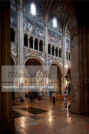 Intérieur Duomo (cathédrale), Parma, Emilia Romagna, Italie, Europe