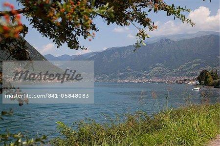 Lakeside near Sulzano, Lake Iseo, Lombardy, Italian Lakes, Italy, Europe