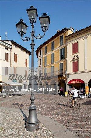 Piazza, Iseo, Lake Iseo, Lombardy, Italian Lakes, Italy, Europe