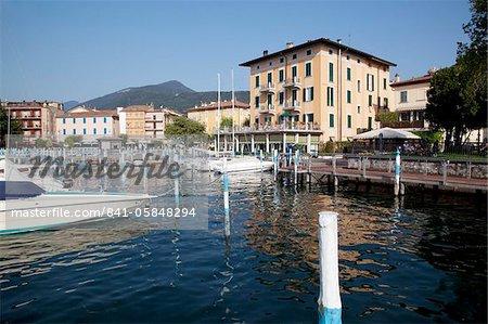 Port et les bateaux, Iseo, lac d'Iseo, Lombardie, lacs italiens, Italie, Europe
