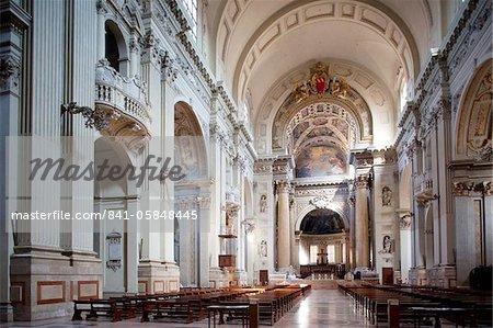 Intérieur de la cathédrale San Pietro, Bologne, Emilia Romagna, Italie, Europe