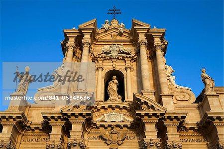 Duomo facade, Piazza Del Duomo, Siracusa, Sicily, Italy, Europe