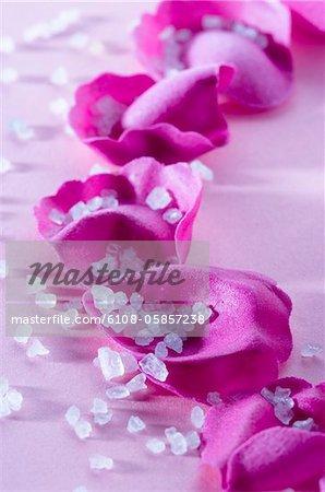 Blumen Blüten und Badesalz, close-up