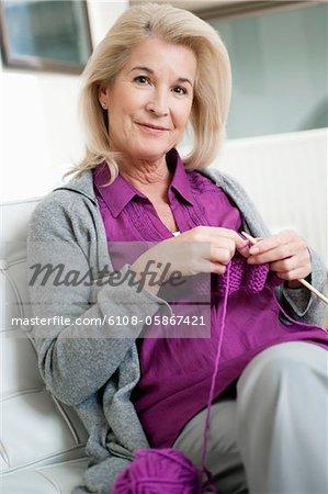 Portrait d'une femme tricot