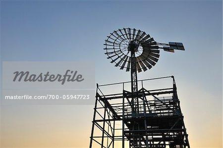 Moulin à vent, Landschaftspark Duisburg Nord, Meiderich Hütte, Duisbourg, bassin de la Ruhr, Rhénanie du Nord-Westphalie, Allemagne
