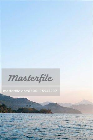 Vue panoramique de la montagne près de Paraty, Costa Verde, Brésil