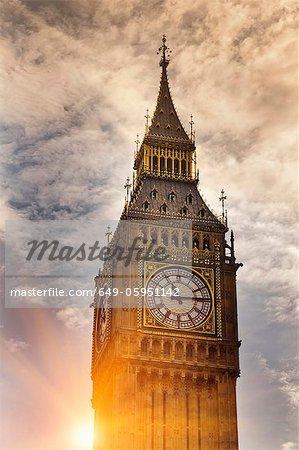Big Ben clock tower in cloudy sky