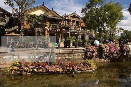 Vieille ville et la rivière Lijiang, UNESCO World Heritage Site, Yunnan, Chine, Asie