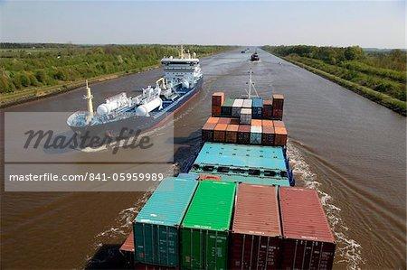 Canal de Kiel, près de Brunsbuttel, Schleswig-Holstein, Allemagne, Europe