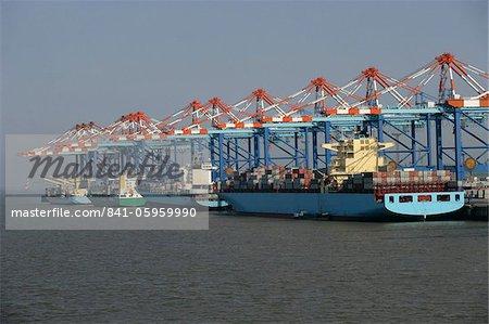 Bateaux à container terminal, Bremerhaven, Brême, Allemagne, Europe