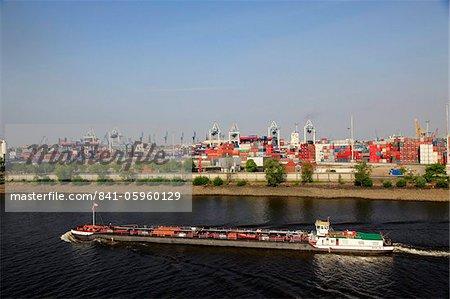 Barge et port, Hambourg, Allemagne, Europe