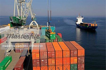 Conteneurs au port de Arhus, Smaland, Suède, Scandinavie, Europe