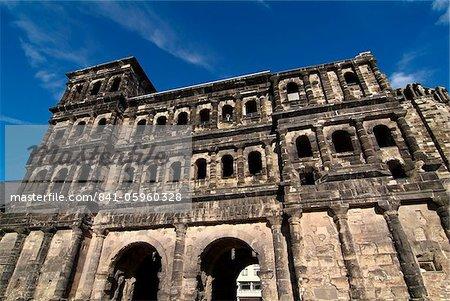 Porta Nigra, römische Stadt-Tor, UNESCO Weltkulturerbe, Trier, Rheinland-Pfalz, Deutschland, Europa