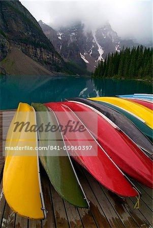 Le lac Moraine, vallée du Ten Peaks, Banff National Park, l'UNESCO World Heritage Site, Alberta, Rocheuses, Canada, Amérique du Nord