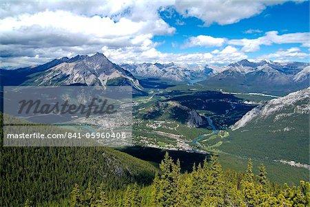 Vue depuis le Mont Sulphur à Banff, Parc National Banff, l'UNESCO World Heritage Site, Alberta, Rocheuses, Canada, Amérique du Nord