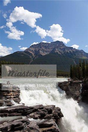 Chutes Athabasca, Parc National Jasper, l'UNESCO World Heritage Site, British Columbia, Rocky Mountains, Canada, Amérique du Nord