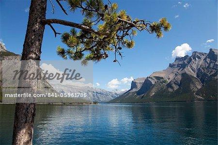 Lac Minnewanka, Parc National Banff, site du patrimoine mondial de l'UNESCO, l'Alberta, Rocky Mountains, Canada, Amérique du Nord