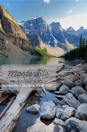 Embâcle sur Moraine Lake, Banff National Park, patrimoine mondial de l'UNESCO, Alberta, Rocheuses, Canada, Amérique du Nord