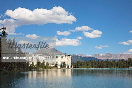 Le Fairmont Chateau Lake Louise Hotel Lake Louise, Parc National Banff, UNESCO World Heritage Site, Alberta, Rocky Mountains, Canada, Amérique du Nord