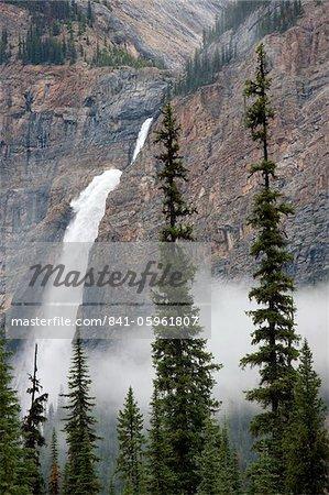 Takakkaw Falls, Parc National de Yoho, l'UNESCO World Heritage Site, British Columbia, Rocky Mountains, Canada, Amérique du Nord