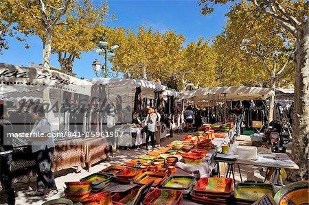 Stands de marché, St. Tropez, Var, Provence, Côte d'Azur, France, Europe