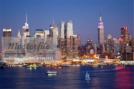 Vue de Midtown Manhattan, dans l'ensemble de l'Amérique du Nord de la rivière Hudson, Manhattan, New York City, New York, États-Unis d'Amérique,