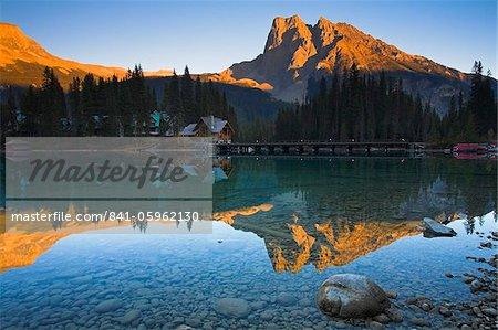 Emerald Lake and Lodge, Yoho National Park, UNESCO World Heritage Site, British Columbia, Rocky Mountains, Canada, North America