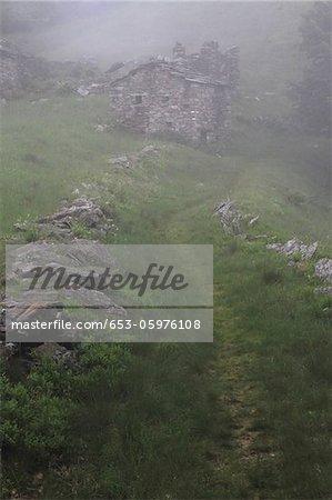 Un Pierre délabré construit, Val Sangone, Italie