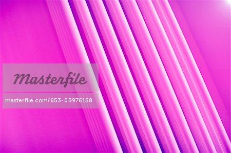 Résumé de full frame de trois lignes roses dimensionnelles