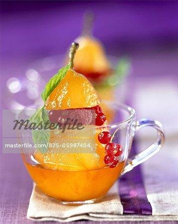 Compote de poire au sirop de fruits d'été