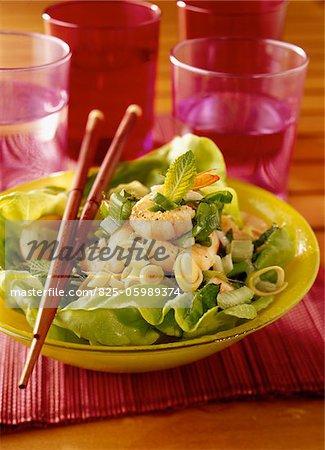 Salade de crevettes, de citronnelle et de menthe