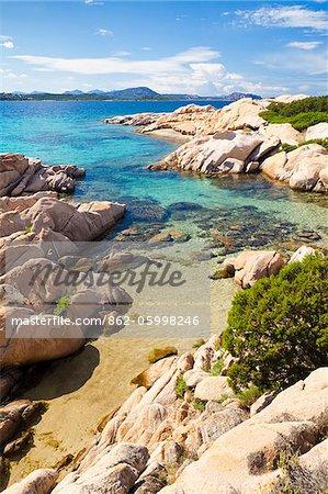 Italie, Sardaigne, Olbia-Tempo, Monte Petrosu. La côte près de Monte Petrosu.