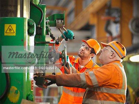 Apprenti ingénieur enseignement usine