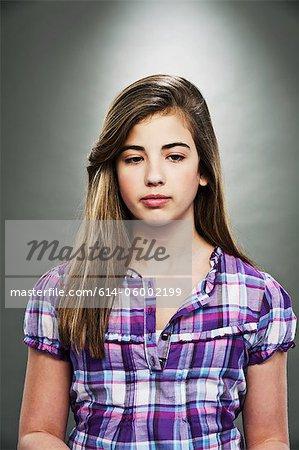 Porträt des jungen Teenager-Mädchen, Studioaufnahme
