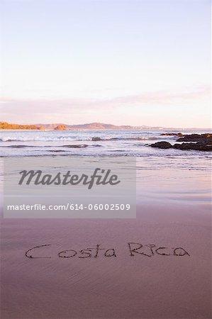 Costa Rica écrit dans le sable, Playa Grande, Santa Cruz, Costa Rica