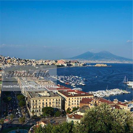 Vue sur le Vésuve depuis Posillipo, Naples, Campanie, Italie
