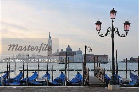 Gondeln, Canal Grande und San Giorgio Maggiore, Venedig, Veneto, Italien